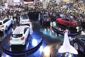 Triển lãm ô tô lớn nhất Việt Nam VMS 2018 chính thức 'khai màn'