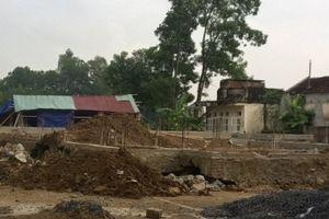 Thanh Hóa: Trung tâm văn hóa xã tiền tỷ, đang thi công móng sụt đổ