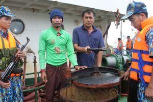 Liên tiếp bắt giữ số lượng lớn dầu DO trái phép
