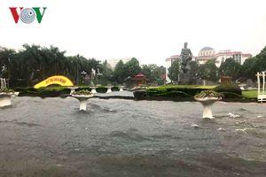 Sau cơn mưa lớn, TP Thanh Hóa biến thành sông