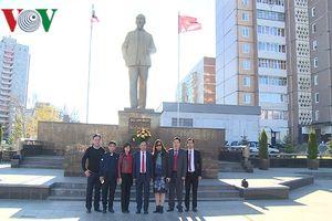 Đại sứ Việt Nam Ngô Đức Mạnh thăm và làm việc tại tỉnh Ulyanovsk