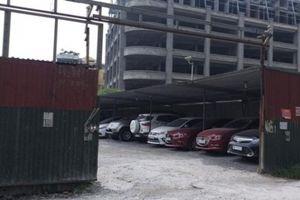 Bị xử phạt nhiều lần, bãi xe 'dù' ở phường Dịch Vọng vẫn tồn tại