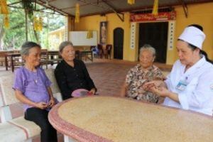 Chuyện cảm động về nữ y tá ở làng phong Quả Cảm