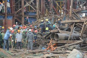 Vòi phun bê tông đổ ập, 3 công nhân thương vong