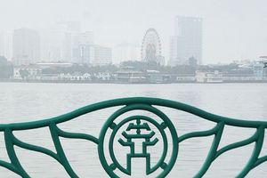 Hà Nội mịt mù trong sương sớm