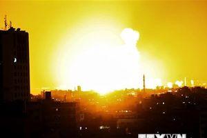Máy bay Israel không kích trả đũa vụ phóng rocket từ Dải Gaza