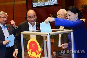 Quốc hội ngày 25/10: Chủ tịch Quốc hội, Thủ tướng Chính phủ được tín nhiệm cao nhất