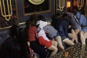 Quản lý nhà hàng ở Sài Gòn điều nhân viên chân dài bán dâm cho khách với giá 1,5 đến 2 triệu đồng