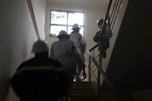 Hà Nội: Khói đen trùm khu chung cư, lực lượng chức năng kịp thời ứng cứu