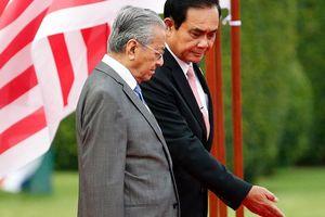 Thủ tướng Malaysia thăm Thái Lan để giải quyết vấn đề miền Nam