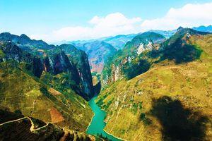 Sông Nho Quế - Dải lụa xanh giữa 'miền đá khát'