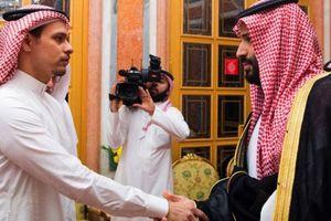 Công sức Ngoại trưởng Pompeo, Mỹ bật mí hành trình con trai nhà báo Khashoggi rời Saudi