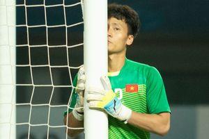 Thủ môn, xà và cột giúp U19 Việt Nam nhiều lần thoát thua