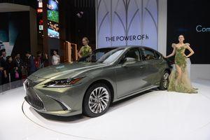 Chi tiết sedan hạng sang Lexus ES 300h vừa ra mắt ở VN