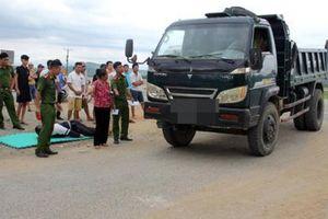 Vụ tài xế cán nam sinh: Dân thuê xe đi ủng hộ