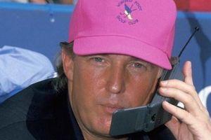 Tổng thống Mỹ vẫn dùng iPhone, bị gián điệp nghe trộm