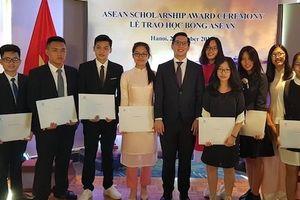 21 học sinh nhận học bổng ASEAN của Chính phủ Singapore