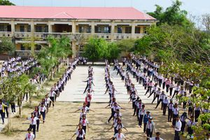 Yêu cầu 100% học sinh tập thể dục trong trường phổ thông
