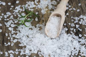 Nguy cơ từ 'sạn nhựa' trong muối