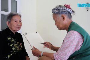 Nữ họa sĩ 8 năm rong ruổi vẽ chân dung gần 1.800 Mẹ Việt Nam anh hùng