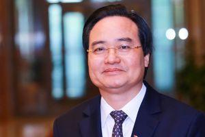 Bộ trưởng Phùng Xuân Nhạ: Sách giáo khoa mới sẽ khắc phục việc tô vẽ vào sách