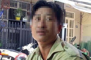 Anh thợ điện đổi 100 USD đã gửi đơn xin miễn giảm nộp phạt
