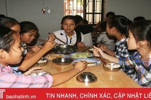 Người mẹ thứ 2 của học sinh dân tộc nội trú Hà Tĩnh