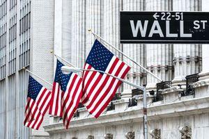 Chiến tranh thương mại với Trung Quốc khiến kinh tế Mỹ tăng trưởng chậm