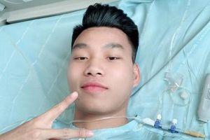 Văn Thanh khoe ảnh tự chụp sau ca phẫu thuật thành công trên đất Hàn