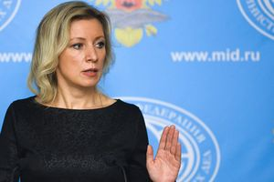 Sau Trung Quốc, đến Nga phản pháo cáo buộc nghe lén điện thoại Trump