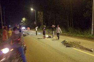 2 xe máy tông nhau, nạn nhân văng xa 50 m