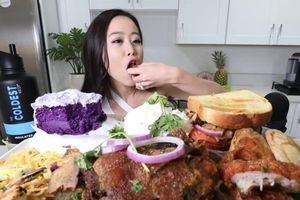 Sợ dân béo phì, Hàn Quốc kiểm soát trào lưu 'ăn thùng uống vại'
