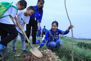 Trồng hơn 1.200 cây xanh tại ngày hội hạnh phúc