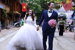 Soi gu thời trang sang chảnh của vợ diễn viên Hà Việt Dũng