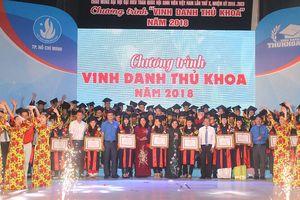TPHCM tuyên dương 78 thủ khoa tuyển sinh đầu vào và tốt nghiệp