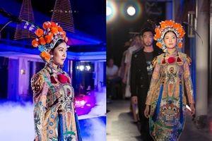 Thúy Vân làm vedette trong trang phục lấy cảm hứng từ tuồng cổ