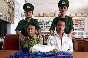 Hải quan Nghệ An tóm gọn hai đối tượng mang theo 6.800 viên ma túy tổng hợp