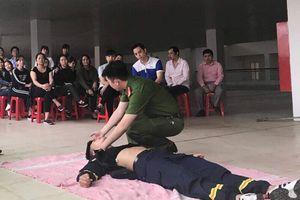 Lào Cai: Tập huấn phòng chống cháy nổ cho 150 công nhân KCN và tiểu thương