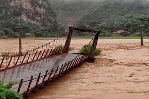 Cao Bằng: Nhiều tuyến đường bị sạt lở do mưa lũ