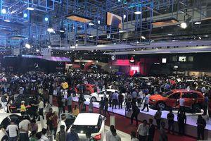 Hơn 88.000 lượt khách tham quan trong hai ngày đầu của Triển lãm Ô tô Việt Nam năm 2018
