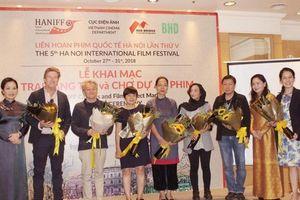 Liên hoan phim Quốc tế Hà Nội lần thứ V: Điện ảnh Việt phải 'sống' với giá trị chung của nhân loại