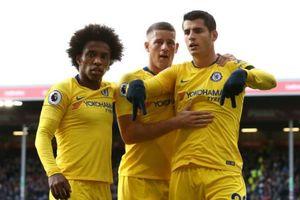 Burnley 0-4 Chelsea: Tiệc bàn thắng tại Turf Moor