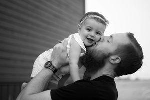 17 ảnh minh chứng con gái luôn là 'công chúa nhỏ' của cha