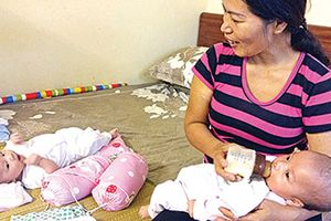 Kỳ diệu bé gái chào đời khỏe mạnh khi người mẹ hôn mê