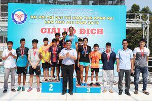 Khởi tranh 2 môn bơi, cầu lông Đại hội TDTT tỉnh lần VIII