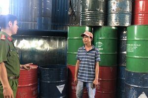 Bình Dương: Phát hiện cơ sở thu mua trái phép thùng phuy chứa chất thải nguy hại