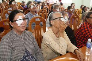 HDBank tài trợ chi phí phẫu thuật mắt cho 350 bệnh nhân