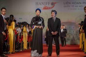 Sao Việt rạng rỡ trên thảm đỏ LHQ quốc tế Hà Nội lần thứ V