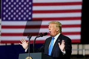Ông Trump: Nga muốn Mỹ hỗ trợ kinh tế