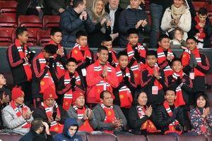 Đội bóng 'Lợn Rừng' đến Anh, thực hiện giấc mơ thăm Manchester United
